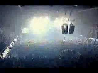 Blur - Song 2 LIVE