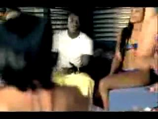 Nelly ft. Akon - Body On Me