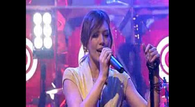 (Hilary duff-Fly(Live