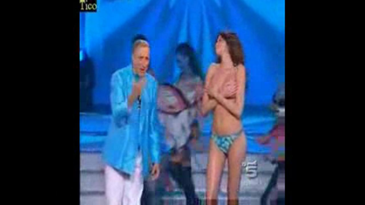 Aida Yespica In sexy Show