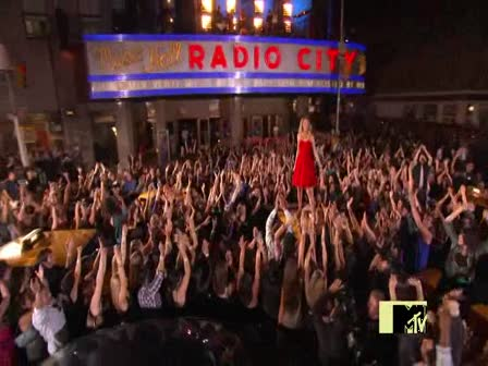 Taylor swift-You belong with m