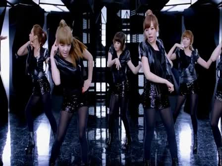 GIRLS' GENERATION- Run Devil Run