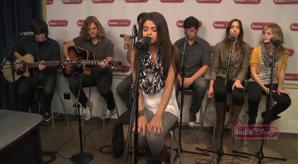 (Selena gomez-Who says (LIVE