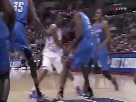 Sport Science_ Blake Griffin dunk over Kendrick Pe